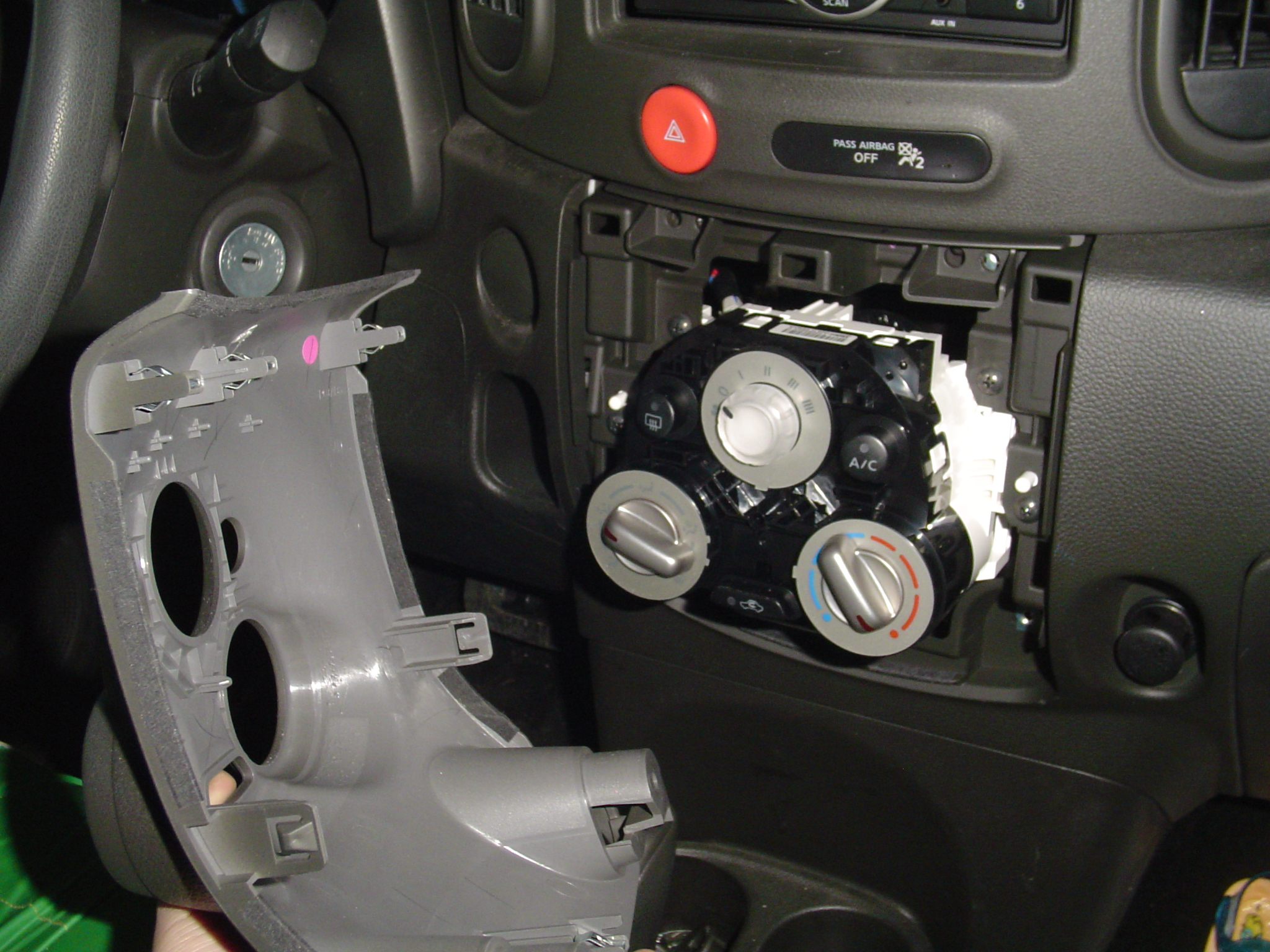 How to install radio in Nissan Cube 2009 2010 2011